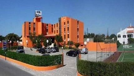 Algarve car hire - Quarteira meeting point is at Hotel Zodiaco